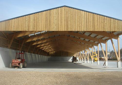 L'entreprise BatirWood met son expertise dans le domaine de la construction en bois à votre disposition afin de vous offrir des Bâtiments fonctionnels, de collectivités ou d'exceptions.